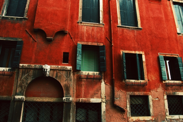 venice red building